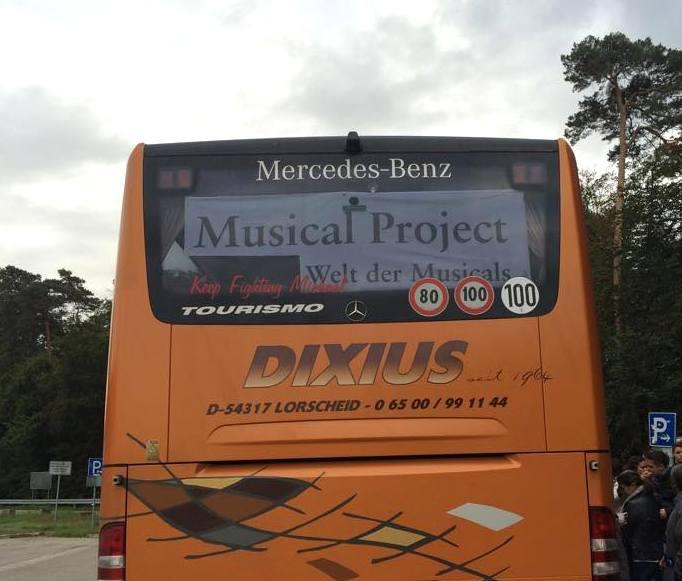 Tourbus Musical Project auf dem Weg nach Herdwangen am Bodensee im September 2015